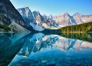 hotels to stay at for travel in Canada