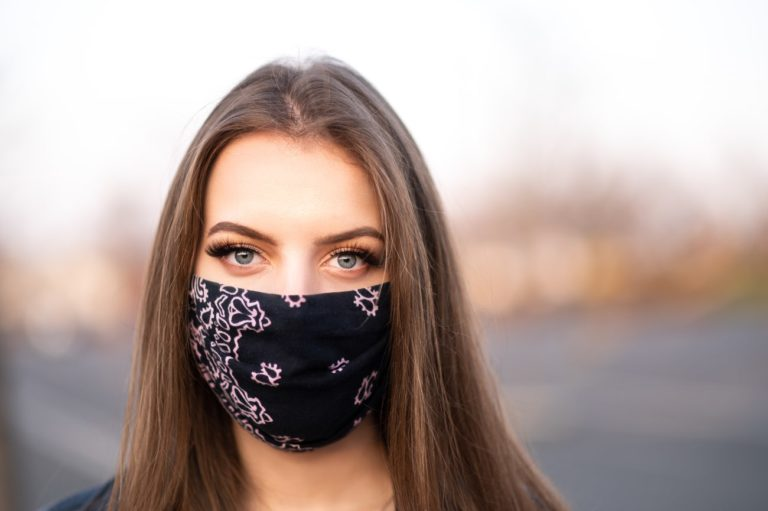 Mask Friendly Makeup Looks to Make Your Eyes Pop 1